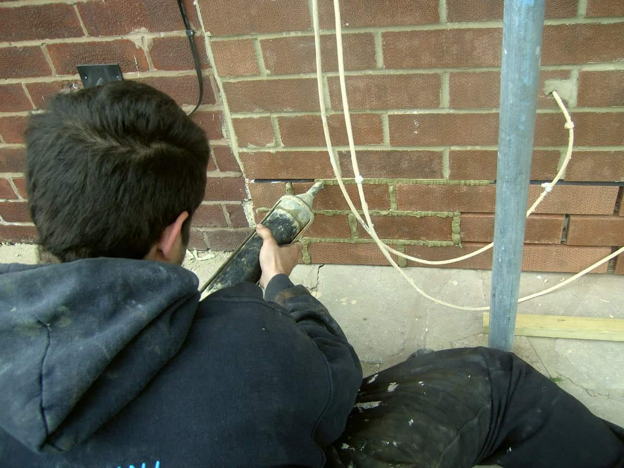 Injection pointing brick